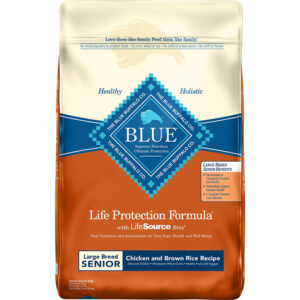Thức ăn cho chó Blue Buffalo Life Protection Formula Large Breed Senior Chicken & Brown Rice Recipe